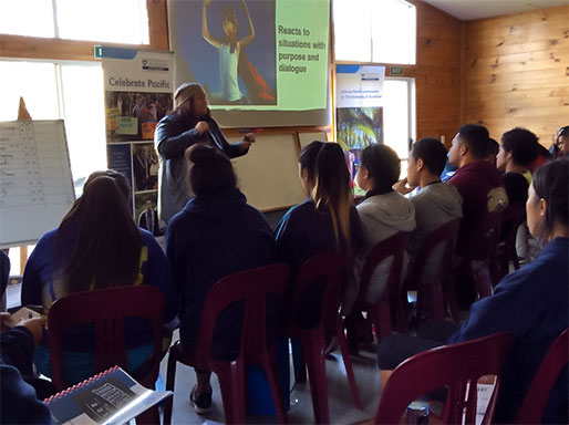 Manu teaching Pasifika students